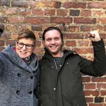 Skådespelaren Pelle Heikkilä är ryggradslös och önskar sig en mer disciplinerad tillvaro