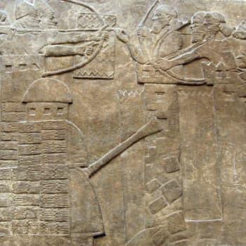 Assyrian sotilasvalta.