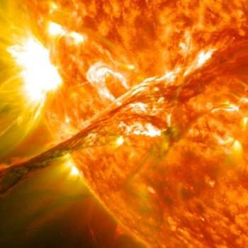 Ajankohtainen Ykkönen: Aurinkomyrskyssä taivas lyö tulta