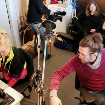 """Maustetyttöjen tuottaja Pentti Amore: """"Studio on instrumenttini"""""""