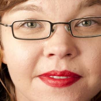 Viikon kirja: Salla Simukka: Punainen kuin veri