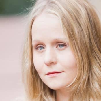 Viikon kirja: Anna-Kaari Hakkarainen: Purkaus