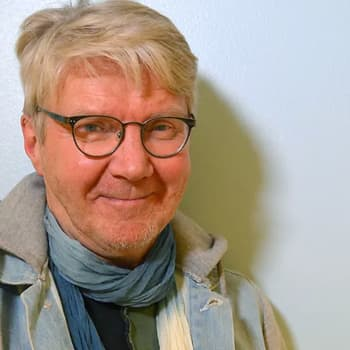 Pirkka-Pekka Petelius Huumorihommia-ohjelmassa: Saamelaissketseillä halusimme rikkoa tabuja ja herättää keskustelua