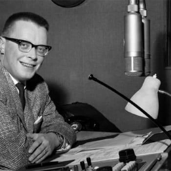 Kuuluttaja Pentti Fagerholmin lukemaa stereotestiä lähetettiin radion rinnakkaisohjelmassa vuodesta 1972 alkaen