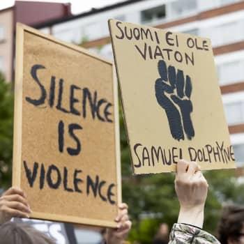 Mistä alkaa rasismin purkaminen - omista asenteista vai politiikan muutoksesta?