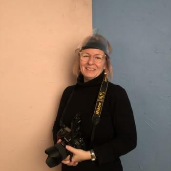 Läsnäolo välittyy Jenni Kososen muotokuvista - eurooppalaistuomarit myönsivät valokuvaajalle arvonimen