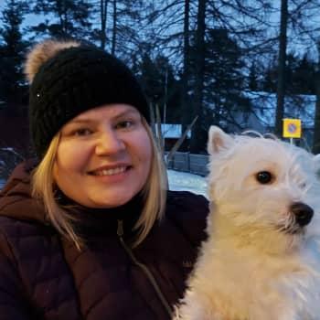 Salla Romo - pappi, äiti ja koulukiusattu Suomen vahvin nainen