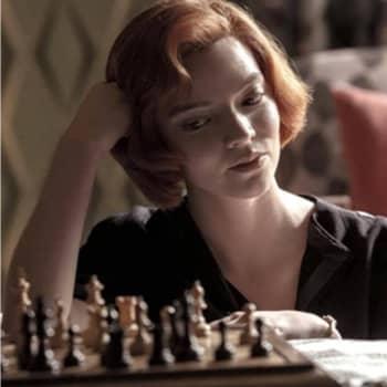Kuvaako Musta kuningatar shakin maailmaa uskottavasti? - Netflixin jännittävä hittisarja aiheutti maailmalla shakki-innostuksen