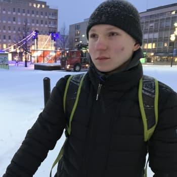 Kilpapyöräilijä Aaro Lampela treenaa säässä kuin säässä - Tässä Aaron vinkit talvipyöräilyyn
