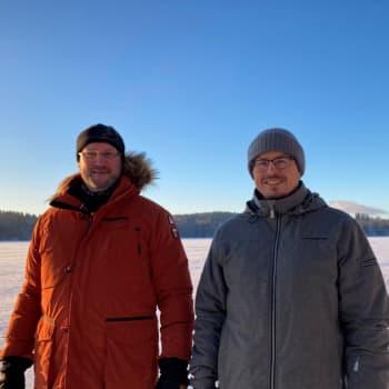 Talvisukeltajaa odottavat jään alla hiljaisuus, eläimet ja valtava määrä ihmisen jättämää roinaa