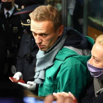 """Navalnyj redan inför rätta - """"Höjden av laglöshet"""""""