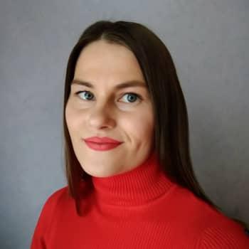 Helga West girjeárvvoštallan: Harlin ja Pieski ládjogahpirgirjji vuoibmi sulastahttá ovtta dovddus sámegirjji jagis 1988
