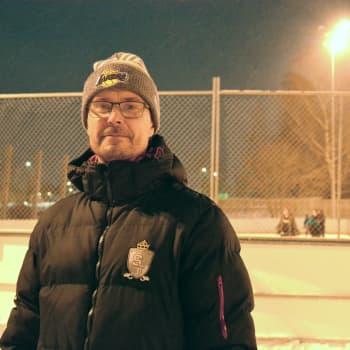 Många vill åka skridskor i Vasa just nu - idrottschef hoppas mer snö och några minusgrader