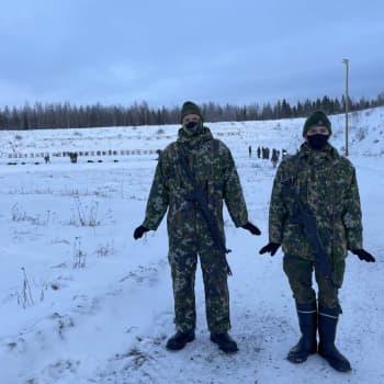 Suomen armeijan pakkasenkestävyys ei ole myytti - alokkaat pitävät itsensä lämpimänä monin konstein