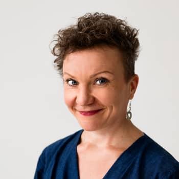 Hanna Weseliuksen romaani sai alkunsa itsenäisyyspäivänä, kun hakaristiliput liehuivat Helsingin kaduilla