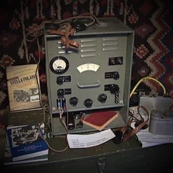 Radioamatöörit, tietoyhteiskunnan pioneerijoukot - alussa laittomia onnitteluja keisarinnalle ja sotalaivan häirintää
