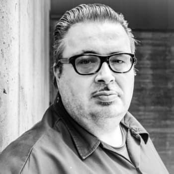 """Toimittaja Pekka Laine: """"Telecaster on soittajalle kuin paistinpannu kokille"""""""