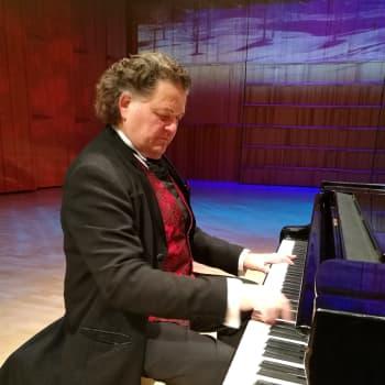 Konserttipianisti ja tuottelias levyttäjä – Jouni Somero