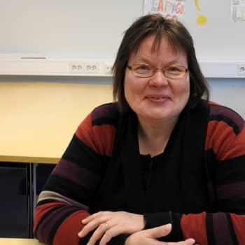 Marja Liisa Olthuis kielâkáldee anarâwjuávus jeessâ