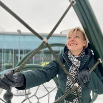 Suomalaisillakin on nyt mahdollisuus päästä astronautiksi - Janiina Kauppinen kannustaa haaveilemaan unelmaduunista avaruudessa
