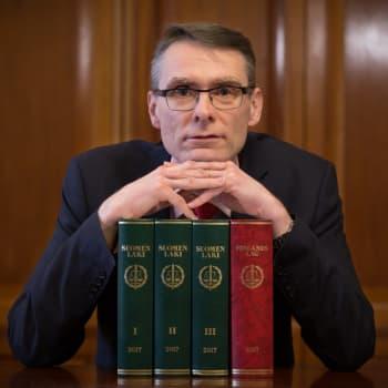 Oikeuskansleri Tuomas Pöysti arvioi poikkeusoloja