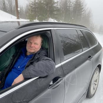Kenties Suomen jyrkin mäki Puumalan Linninmäki on jyrkkä, jopa henkilöautoille