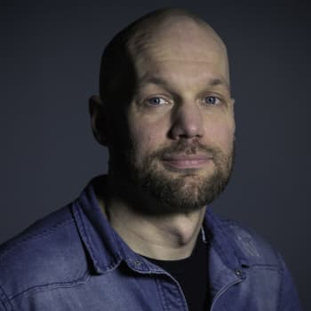 Aleksis Salusjärvi: Kirjallisuus vaihtoi silmät korviin