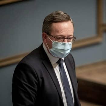 Saako Vaasa akkutehtaan, elinkeinoministeri Mika Lintilä?