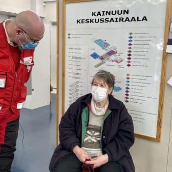 SPR:n vapaaehtoiset auttavat rokotuksissa Kainuussa