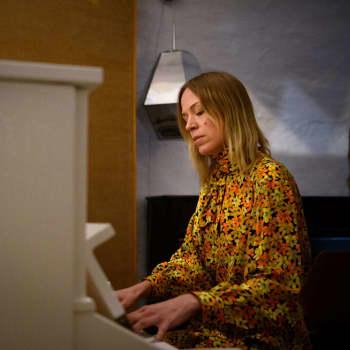 Frida Hyvönens låtar är berättelser om livet