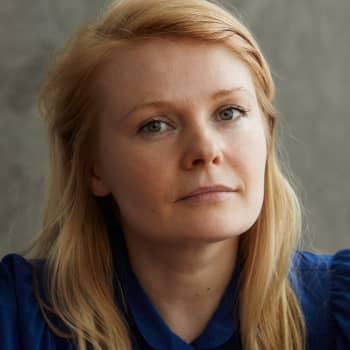 """Saara Turunen: """"Voisi olla onnellisempi, jos antaisi elämän tulla sellaisena kuin se on - vyöryä järjettömänä."""""""