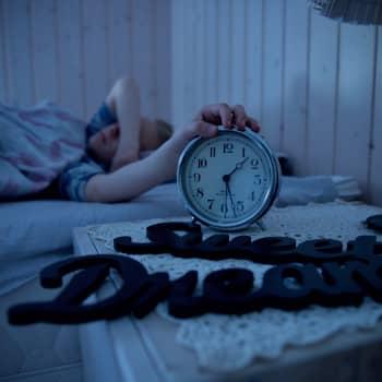Uni hoitaa aivoja - mutta mistä tietää kuinka paljon unta on tarpeeksi?