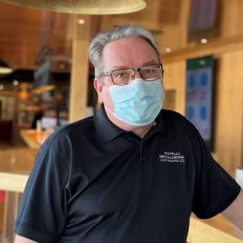 """""""Tämä on lähes farssi"""" - Ravintoloitsija Mika Moisander yllättyi hallituksen aikeista sulkea ravintolat Pohjois-Savossa"""
