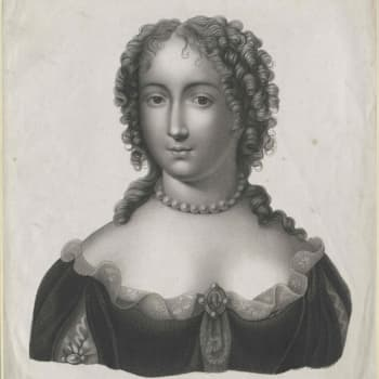 Ninon yhdisti erotiikan ja sivistyksen - Riikka-Maria Rosenberg kirjoitti romaanin 1600-luvun kuuluisasta kurtisaanista