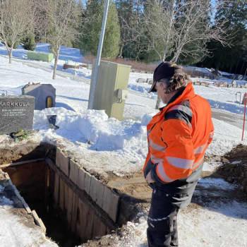 Seppo Niemelä on kaivanut noin 30 000 hautaa mutta ei mieti omaa kuolevaisuuttaan