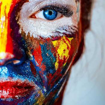 Kuka saa väittää olevansa oikea taiteilija?