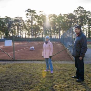 Hangö tennisklubb vill hjälpa stadens gymnasier att specialisera sig på padel och tennis