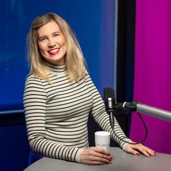 Pr-ammattilainen Taija Holm: Musiikkibisnes on nykyään ammattimaistunut, eikä aulabaarista enää lähdetä keikoille