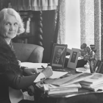 Muistikuvia Anni Swanista (otteita)