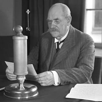 Kalevalan 100-vuotisjuhla. Presidentti P. E. Svinhufvud puhuu (1935)