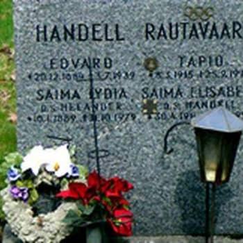 Tapio Rautavaaran elämä ja ura, reissumiehen haudalla