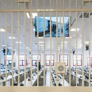Mafiaoikeudenkäynnin todistajat poliisin ympärivuorokautisessa suojelussa - murtuuko vaikenemisen laki Italiassa?