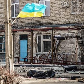 """Venäjän kolistelu Itä-Ukrainan rajalla luo kylmän sodan kaikuja - """" Vain Venäjä voi ratkaista, syttyykö alueella sota vai ei"""""""