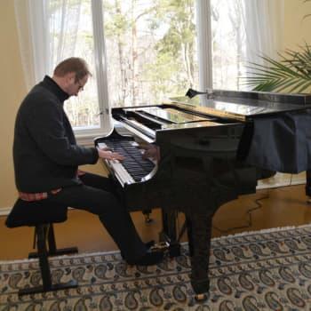 Pianisten Ralf Nyqvist komponerade ett covid-album