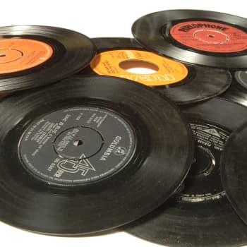 1. The Rolling Stones: Con le mie lacrime 2. Bruce Springsteen: Ol Dan Tucker 3. Absoluuttinen Nollapiste: Raami 4.