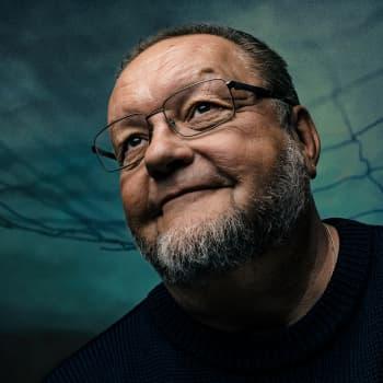 Risto juhlii Jorma Hynnisen 80-vuotissyntymäpäivää