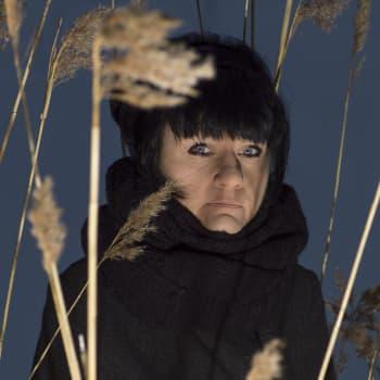 Hanna Hauru säikähti huomatessaan kuinka paljon hänen kirjansa päähenkilö muistuttaa Pentti  Haanpäätä