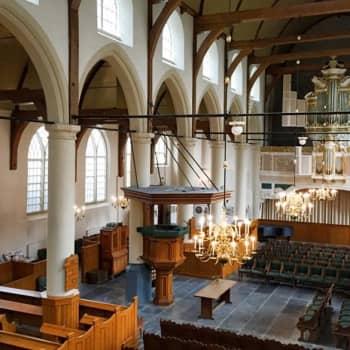 Bachin resonanssiaarteita Amsterdamissa ja rauhallista Ravelia Bukarestissa