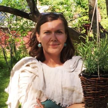 Truveerien jäljillä. Musiikkivieraana keskiaikatutkija dosentti Susanna Niiranen