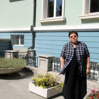 Bulgarian yksilölliset naiset menestyvät taloudessa